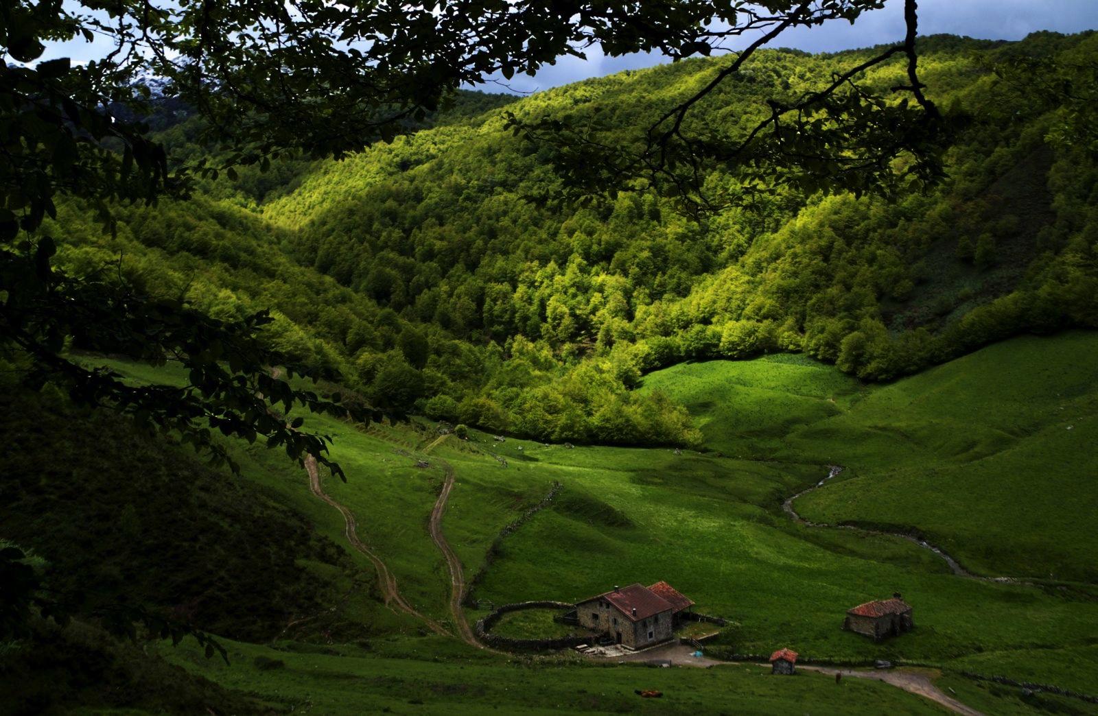 Casería, ermita y oratorio